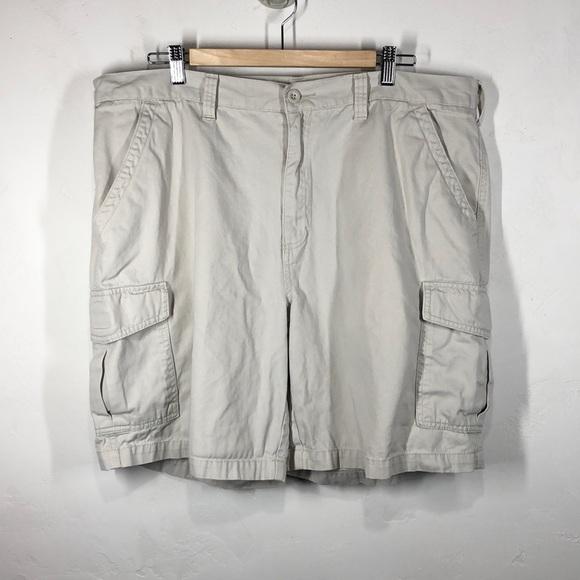 croft & barrow Other - Croft & Barrow light tan cargo shorts size 40